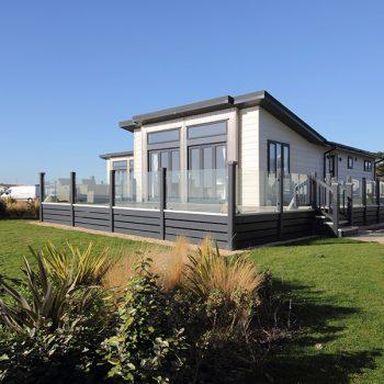 SV2 Glass House Lodge